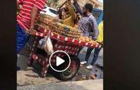صورة من الفيديو المتداول عن تجاوز الموظفة ضد بائع