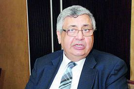 الدكتور عوض تاج الدين