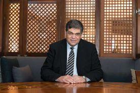 الدكتور أشرف حاتم  .. رئيس لجنة الشئون الصحية بمجلس النواب