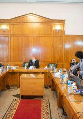 وزير الري يحضر الاجتماع