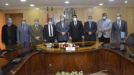 محافظ أسيوط يلتقي مدير بنك مصر وممثل وزارة قطاع الأعمال