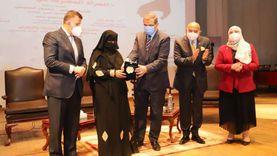 «سعفان والمتيني» يكرمان 10 سيدات مثاليات في جامعة عين شمس