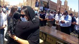 صلاة الجنازة على الفنانة شويكار بمقابر 6 أكتوبر