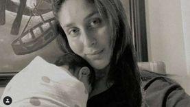 كارينا كابور تظهر مع مولودها الجديد في اليوم العالمي للمرأة.. صورة