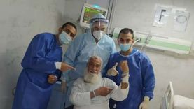 تعافي مسن وشاب من فيروس كورونا في بورسعيد