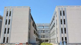 جامعة دمياط تتسلم 30 مدرجا و40 قاعة من المقاولون العرب