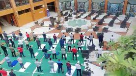 منتخب اليد يؤدي صلاة الجمعة وسط إجراءات احترازية