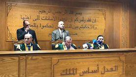 الجنايات تدرج أبو الفتوح وعلاء عبدالفتاح على قوائم الإرهابيين