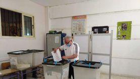 عبدالعزيز عبدالشافي يدلي بصوته في انتخابات مجلس الشيوخ