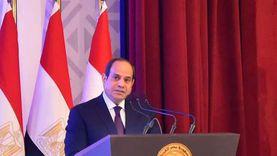 """وزير الإسكان يفسر مقولة الرئيس السيسي """"اللي هيطلب شقة هنديهاله"""""""