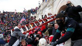 طالبوا بإعدامه.. «واشنطن بوست»: المحتجون كانوا على وشك أسر مايك بنس
