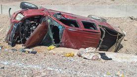 مصرع شخص وإصابة 3 في انقلاب سيارة على الطريق الدولي بجنوب سيناء