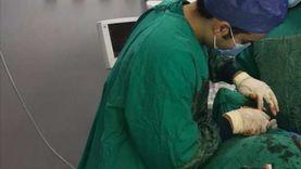 """صور.. فريق طبي بـ""""مطروح العام"""" يكشف لغز اختفاء أسنان وضروس من فم طفل"""