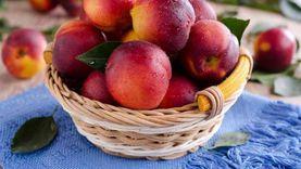 خبير زراعي يكشف أسباب تسمم الخوخ: فاكهة سريعة التلف