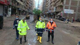 رئيس شركة الصرف الصحي يتابع سحب مياه الأمطار من شوارع الإسكندرية