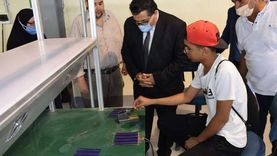 وكيل تعليم جنوب سيناء يتفقد مصنع الألواح الشمسية بالمدرسة الصناعية