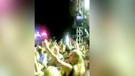 """نجيب ساويرس يرقص مع مصطفي قمر على نغمات أغنية """"جت تصالحني"""""""