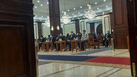 ستخلفه في البرلمان.. هبة العوضي تحضر جنازة الفريق كمال عامر
