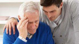 """أهالي مرضى ألزهايمر: """"صبرنا نفذ"""".. والمرضى: """"نشتاق لسؤالهم"""""""