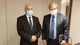 عقيلة صالح يبحث مع السفير الأمريكي مبادرته للحل في ليبيا