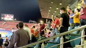 فرحة جماهير الأهلي بعد هدف طاهر محمد طاهر في صن داونز