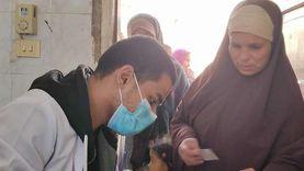 """كشف طبي وعلاج مجاني بقافلة جامعة المنيا في قرية """"كوم اللوفي"""""""
