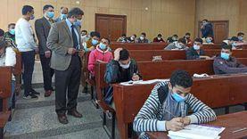 رئيس جامعة دمياط يتفقد إجراءات مكافحة كورونا بلجان امتحانات