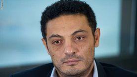المصريون يسخرون من الهارب محمد علي: سهراته حمراء وعايز يسوِّد عيشتنا