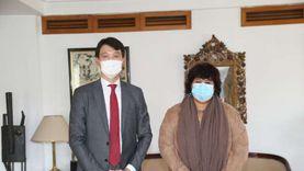 وزيرة الثقافة تلتقى سفير كوريا الجنوبية احتفالاً بمرور 25 عام على العلاقات بين البلدين