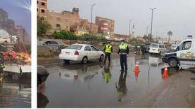 رجال الشرطة يساعدون المواطنين على مواجهة الطقس السيئ بخدمات مرورية