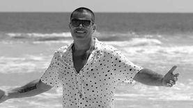 """عمرو دياب يروج لأغنيته الجديدة """"أهي أهي"""" مع المطربة اليونانية إيريني"""