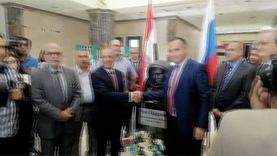 سفير روسيا يزيح الستار عن تمثال يوري جاجارين في وكالة الفضاء المصرية
