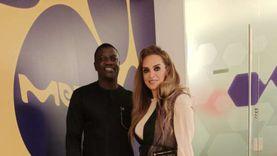 نائبة بالشيوخ تلتقي المغني العالمي «آيكون» لمناقشة برامج تنمية إفريقيا