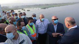 وزير النقل يتفقد الأعمال النهائية لمحور قوص على النيل بقنا