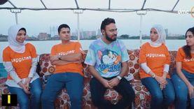 """متطوعون يروون تجاربهم في """"أتوبيس السعادة"""" مع أحمد يونس"""