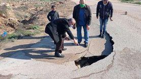 إصلاح هبوط أرضى بطريق سجن برج العرب غرب الإسكندرية