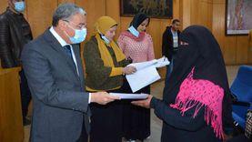 تعيين 964 شابا وفتاة بالقطاع الخاص والاستثماري في المنيا
