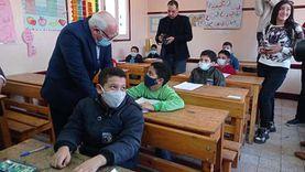 وزير التعليم يجري اتصالا مع التلاميذ عبر هاتف محافظ بورسعيد