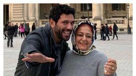حسن الرداد يوجه رسالة مؤثرة لوالدته بعد وفاتها: «يا حب عمري»