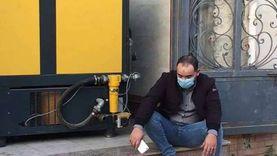 18 ساعة شغل للفجر.. حكاية المهندس الجالس بجوار «تنك» الأكسجين في العزل