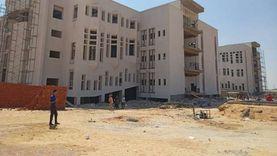 «الجيزاوي» يتفقد منشآت الجامعة الأهلية ومبنى المدرجات بالعبور