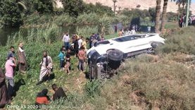 إصابة 6 في حادث انقلاب «ميكروباص» بأسيوط (صور)