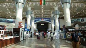 الكويت تقلص حركة المسافرين 80% وإلغاء 60 ألف حجز