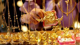 عاجل.. تراجع أسعار الذهب.. وعيار 21 بـ806 جنيهات