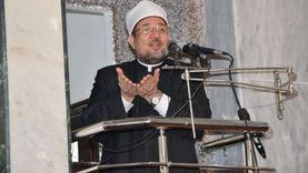يفتتح مسجدين بديروط.. وزير الأوقاف يصل أسيوط