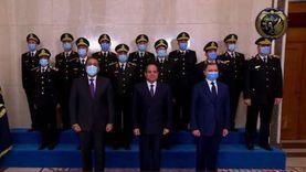 عاجل.. السيسي يلتقط صورا تذكارية مع أعضاء المجلس الأعلى للشرطة
