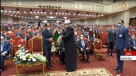 الأوقاف تهدي الرئيس السيسي كتابين في حب النبي والسيرة النبوية