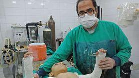 إجراء أول عملية لطفل مصاب بالعظم الزجاجي بمستشفيات جامعة المنيا
