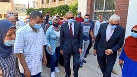 """""""الهجان"""" و""""عجلان"""" يتفقدان لجنة انتخابات الشيوخ بمدرسة قها"""