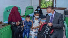 """محافظ الإسكندرية يزور """"أطفال مرضى السرطان"""" بمجمع الهلال الأحمر"""